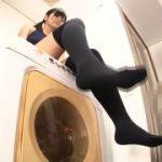スクール水着の妹に洗濯機の上から見下ろされ足コキされるM男