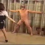 とっても可愛い過ぎる女王様の激しい鞭叩きに必死に耐えるM男奴隷動画