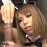 バニーガールコスプレが可愛いケバギャルに強制手コキされるM男動画