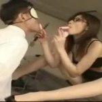メガネが似合う立花里子様。M男を逆レイプする痴女テクニックがすごい動画