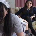 女王様がレズビアンのメイドさんを鞭でスパンキング調教する動画