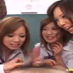 女子高の女教師と制服JKがM男を集団で逆レイプwww