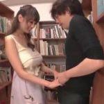 爆乳痴女がいる図書館wwwえろい女に逆レイプされたww