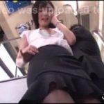 バスの中で痴女に遭遇したM男は変態お姉さんに侵されるwwwww