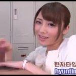 清純そうで可愛い洋服の美少女がねっとりフェラチオ手コキしちゃう動画www