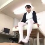 めちゃエロな浜崎真緒ちゃんのナース姿で足コキ責めされるM男動画www