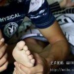 エロい中国美女の足をひたすら舐めるM男動画www