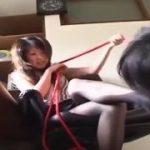 M男をペット扱いしながら奴隷調教する美しい女王様ww