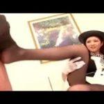 黒パンストの高貴な美女に足コキされて興奮なM男動画wwww